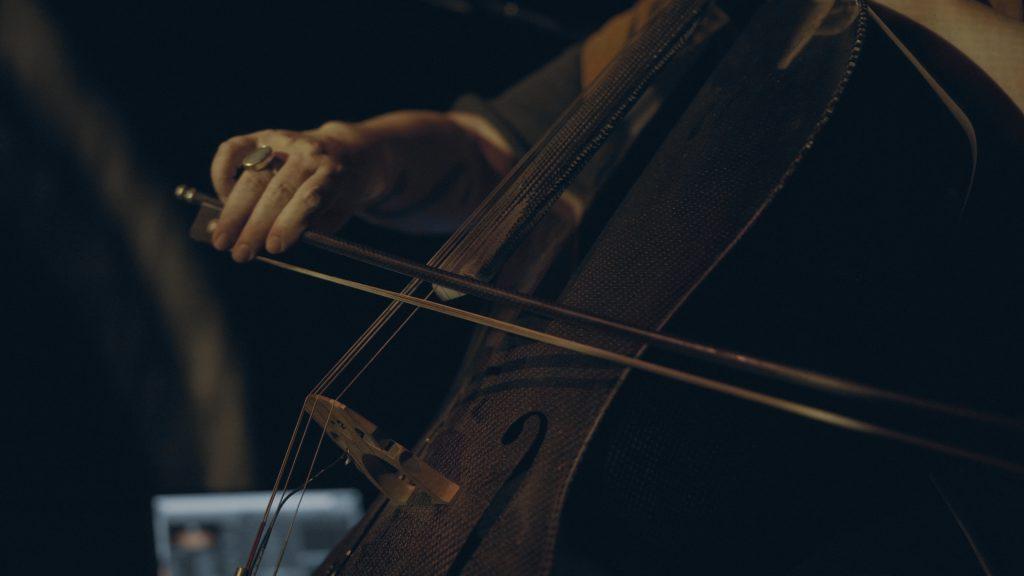 Cris Derksen, composer, improvisor, cellist in Ikumagialiit